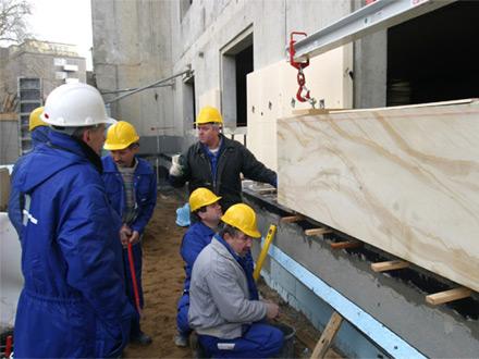 Qualifizierte Teams für Montage und Bauleitung