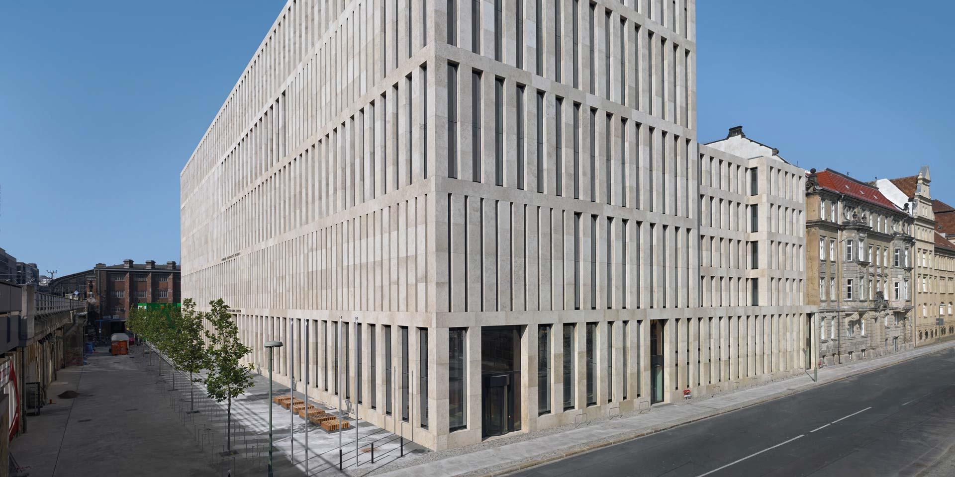 Naturstein Fassade Grimm Bibliothek Berlin